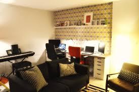 amenager bureau dans salon aménager un espace bureau quand on manque de place la cabane de moe