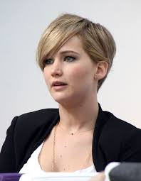 how to stye short off the face styles for haircuts jennifer lawrence short hair how to jennifer lawrence shows off