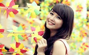 asian smiley face wallpaper