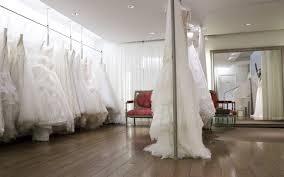magasin mariage barbes robe de mariée metal flaque robes de mariée créateur