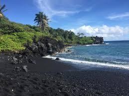 black sand beach hawaii punalu u black sand beach park at big island hawaii hawaii on a map