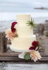 seasonal cakes for a fall wedding brides