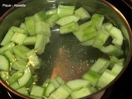cuisiner concombre filets de julienne au concombre braise pique assiette