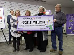 the tennessee couple that won the powerball may not be happier