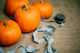 10 quick and easy outdoor halloween decorations erin mackey author
