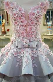 this u201cwedding dress u201d is actually a cake and now i have trust issues