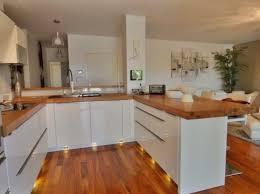 cuisine blanche et plan de travail bois unique cuisine blanc laque