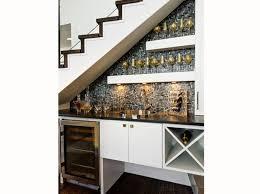 cuisine sous escalier 16 idées déco pour ne pas perdre d espace sous l escalier