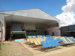 Biggest Chair In The World File Winton Open Air Theatre Museum The World U0027s Biggest Deckchair