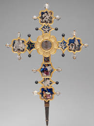 relics and reliquaries in medieval christianity essay