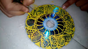 Designs Of Wall Hanging With C D How To Make A Recycling Cd Wall Hanging Youtube