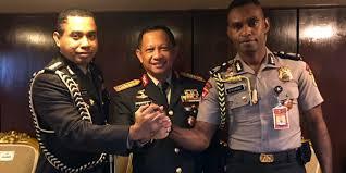 profil sosok jokowi ini sosok kombes jhonny edison ajudan jokowi dari tanah papua