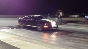 Black 2006 Mustang 2007 Ford Mustang Black Vs 2006 Ford Mustang Blue Drag Race Youtube