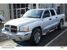 dodge dakota crew cab 4x4 for sale 2006 dodge dakota laramie cab 4x4 in bright silver metallic