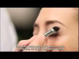 tutorial alis mata untuk wajah bulat tips cara make up artist jonas wramell youtube mp4 youtube