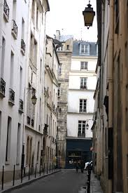 apartment living le marais paris feet on the ground