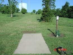 hole 2 u2022 william harbin park fairfield oh disc golf courses