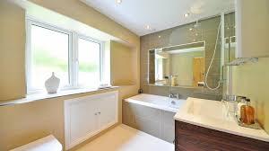 si e baignoire personnes ag s une salle de bain conçue spécialement pour les seniors facefull