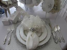 Christmas Deer Table Decorations by 664 Best Christmas Centerpieces U0026 Tablescapes Images On Pinterest