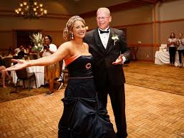 surprises by wearing chicago bears themed wedding