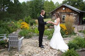 Wedding Venues Duluth Mn Tying The Knot On A Shoestring Lake Superior Magazine