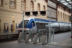 bureau sncf marseille sncf les portillons d accès aux tgv bientôt généralisés à 13 gares