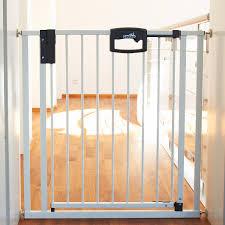 kinderschutzgitter treppe tür treppenschutzgitter kaufen baby markt ch www