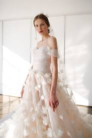 wedding dress trend 2018 the 4 need to bridal trends for 2017 weddingsonline ae