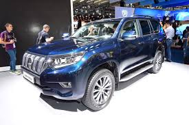 toyota land rover 2017 toyota facelifts land cruiser suv for 2018 at frankfurt motor show