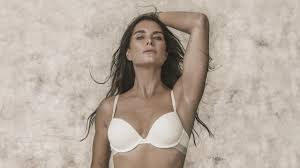 Brook Shields Brooke Shields Reunites With Her Calvins 37 Years Later See The