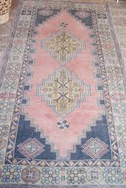 Round Pink Rugs by Best 25 Pink Rug Ideas On Pinterest Aztec Rug Colorful
