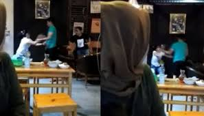 kembali beredar video viral istri sah jambak pelakor di hotel