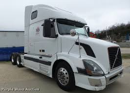 used volvo semi trucks 2006 volvo vnl semi truck item db1303 sold may 4 truck