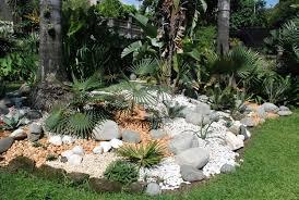 come creare un giardino fai da te aiuole giardino fai da te idee creative e innovative sulla casa