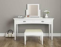 schlafzimmer spiegel schminktisch mit spiegel die möbel für mädchen schlafzimmer