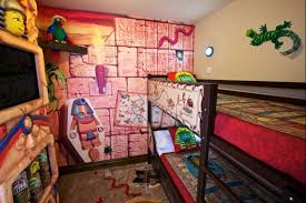 Hotel Rooms For Kids That Will Make You The Coolest Parent Ever - Hotels with family rooms near legoland