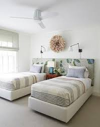 two bed bedroom ideas small guest room with two twin beds pinteres