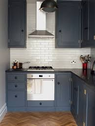 kitchen ideas for small apartments small apartment kitchens houzz