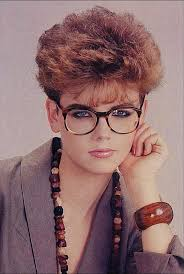 80s style wedge hairstyles coiffure courte retro hair and makeup pinterest pixie haircut