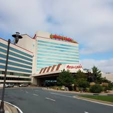 mystic lake casino hotel 25 photos 24 reviews hotels 2400