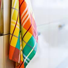 torchons cuisine torchon de cuisine tissu madras comptoir créole