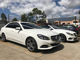 jeep chrysler limo hire nsw best limousine service in sydney wollongong