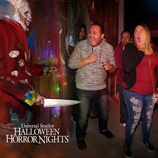 halloween horror nights scream attraction world wegiveutheworld twitter