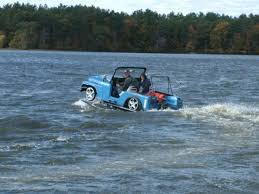 water jeep hibious jeep fast amphibians