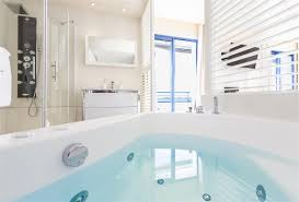 chambre balneo chambre avec terrasse balnéo vue mer vannes hotel 3 etoiles vue