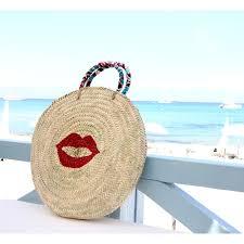 panier rond en osier panier cabas de plage rond en osier peint motif bouche rouge