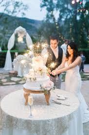 wedding cake cutting best 25 wedding cake cutting ideas on wedding cake