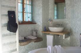 7 top tips on how to make your small bathroom look and feel larger