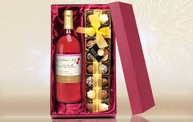 wine set gifts personalised wine and chocolate gift set the great gift shop