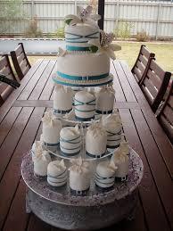 mossy u0027s masterpiece emma u0027s wedding cake u0026 small iced cakes with